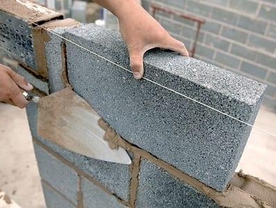 кладка керамзитного блока