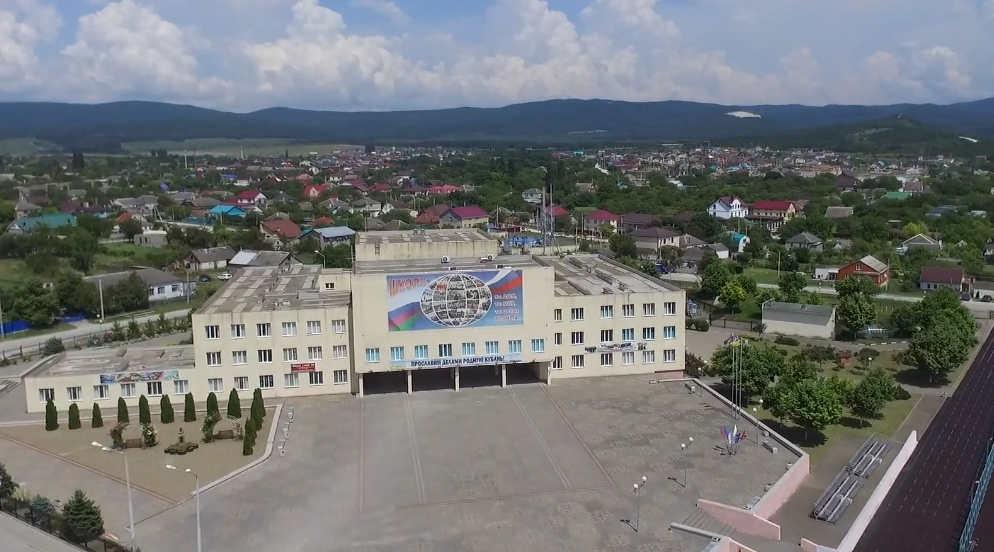 школа в Натухаевской